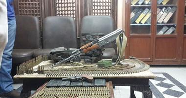 ضبط 3 أشخاص بحوزتهم أسلحة وذخيرة في مداهمات أمنية بسوهاج