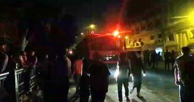 بالفيديو..10 سيارات إطفاء تسيطر على حريق الغورية وإصابة شخصين  اليوم السابع