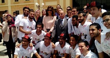 بالصور.. وزيرة الهجرة تستمع لشكاوى المصريين بالخارج فى جامعة الأهرام الكندية