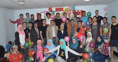 سفارة مصر ببكين تحتفل بشم النسيم مع طلاب مصريين وصينين بالفسيخ والبصل