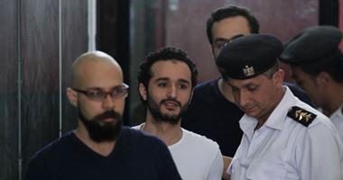 """أحمد دومة.. """"اللى مربتهوش الأيام تربيه العدالة"""".. حكمت المحكمة"""