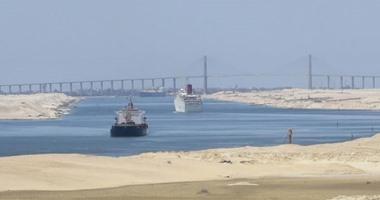 مصدر بقناة السويس: عبور 45 سفينة بمينائى غرب وشرق بورسعيد رغم سوء الطقس
