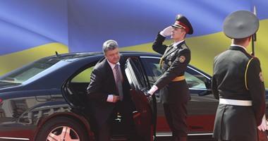 رئيس أوكرانيا يرحب بوقف إطلاق النار مع المتمردين.. ويؤكد: الحرب لم تنته