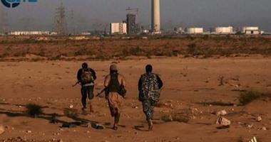 إغلاق طريق مطار طرابلس نتيجة اشتباكات بين ميليشيات تتبع فجر ليبيا