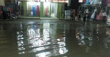 """""""واتس آب اليوم السابع"""": شوارع بلبيس بالشرقية تغرق فى مياه الصرف الصحى"""