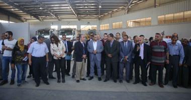 بالصور..وزير البيئة ومحافظ الجيزة يفتتحان محطة القمامة الجديدة بالوراق