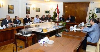 وزير التموين: خطة لخفض مدة تفريغ سفن الأقماح المستوردة بالموانئ لـ5 أيام