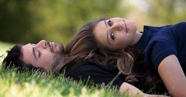 """5 حقائق يجب أن تعرفيها عن الحب الأول.. """"عادة لا يكون الأخير"""""""