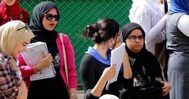 استبعاد رئيس لجنة ثانوية بالإسكندرية سمح لصحفيين بالتصوير داخل اللجنة