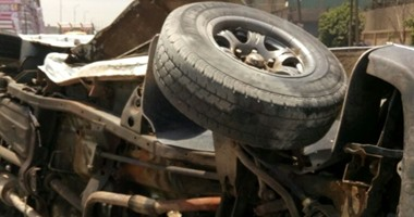 بالأسماء.. إصابة 3 أشخاص فى حادث انقلاب سيارة أمام مارينا الساحل الشمالى
