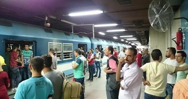 خروج قطار مترو عن القضبان داخل ورش طرة البلد دون تأثر الحركة