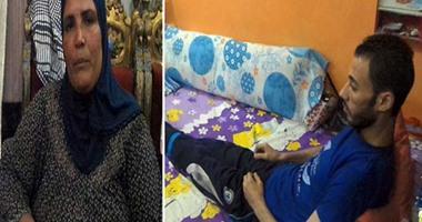 بالفيديو.. قصة عمار وأمه وإخوته.. شاب مشلول وسيدة مكلومة وأسرة بلا عائل