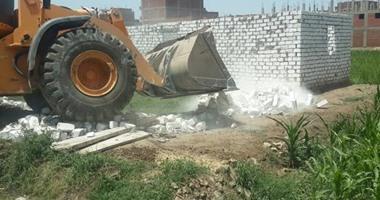 إزالة تعديات على مساحة فدان بقرية فانوس بالفيوم