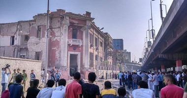 اثار انفجار محيط القنصلية الايطالية