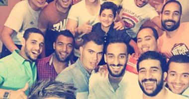 """بالصور.. أحمد الشيخ يقيم حفل إفطار لـ""""أولاد الحتة"""" ببنى سويف"""
