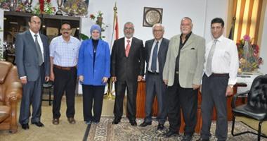 وفد الجامعة الليبية الدولية يبحث تبادل علمى وطلابى مع جامعة قناة السويس