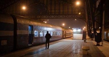 """""""صحافة المواطن""""..أسلاك عارية ونوم بالطرقات فى قطارات السكة الحديد المكيفة"""