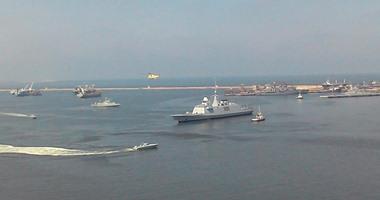 """أول فيديو لوصول الفرقاطة """"تحيا مصر"""" إلى القاعدة البحرية بالإسكندرية"""