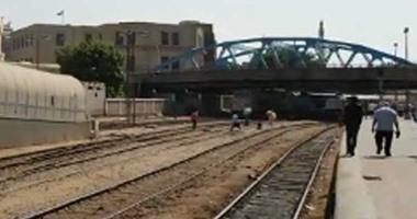 محافظ الوادى الجديد: سكة حديد الخارجة سفاجا لدعم السياحة و التنمية بطول 680 كيلو