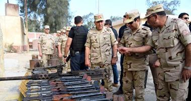 بالفيديو.. الرئيس السيسى يتفقد عناصر القوات المسلحة والشرطة المدنية بسيناء