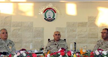 القوات المسلحة تعرض فيديو لتناول وزير الدفاع الإفطار مع رجال الجيش الثانى