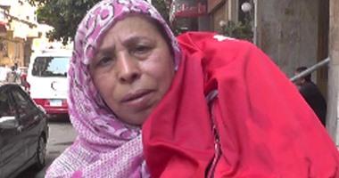 """بالفيديو .. المواطنة روحية لوزير الصحة :"""" عاوزه أعالج حفيدى ومش عارفة"""""""