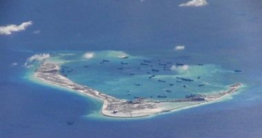 سفينة أمريكية تبحر بالقرب من جزر خاضعة للصين فى بحر الصين الجنوبى