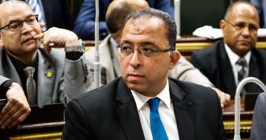 وزير التخطيط: تثبيت كافة التعاقدات المؤقتة حتى 30 يونيو 2016