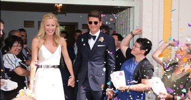 بالصور ماريو جوميز يتزوج من صديقته الحسناء كارينا فى ميونخ