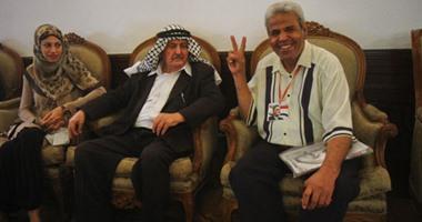 بالفيديو..رئيس الحزب الطليعى الناصرى بالعراق يقرأ الفاتحة على ضريح عبد الناصر