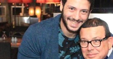 """الفنان أحمد جمال سعيد يرثى والده حكمدار العاصمة: """"مبروك على ترقيتك"""""""