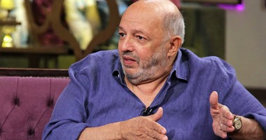 تشييع جثمان المخرج الراحل محمد خان من مسجد الكويتى بزهراء المعادى