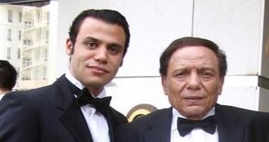محمد إمام ينشر فيديو له مع الزعيم فى مراحل عمره المختلفة