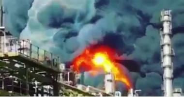 مقتل 11 شخصا وإصابة 60 فى انفجار أنبوب غاز على متن ناقلة نفط فى باكستان