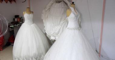 0b61bf192 حكاية فستان إيجار لف على ليالى العمر.. اسمه على اسم أول عروسة لبسته. فساتين  الزفاف