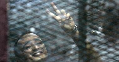 دفاع دومة بعد زيارته فى السجن: يجلس على كرسى متحرك ومهدد بالشلل والموت