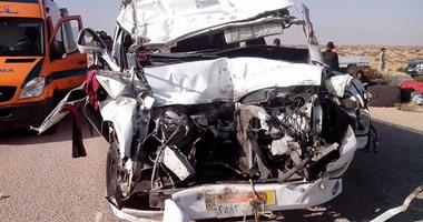 مصرع شخص وإصابة 27 عاملا فى حادث تصادم على طريق القاهرة الإسماعيلية