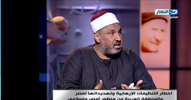 """وكيل الأوقاف """"باكياً"""": الشيعة يريدون احتلال مصر ويشترون الناس بالمال"""