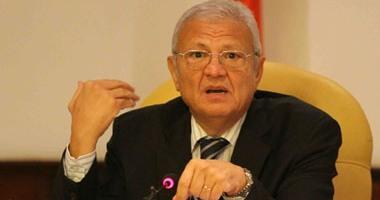 وزير الاتصالات يتفقد مشروع قناة السويس ويدشن الطابع الجديد