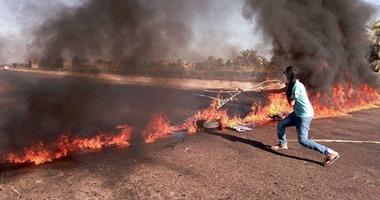 """قوات الأمن بكفر الشيخ تفتح الطريق الدولى عقب إشعال""""الإرهابية"""" النار فيه"""