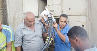 انقطاع الكهرباء بمدينة الأقصر والشركة تحاول إصلاح أحد المحولات