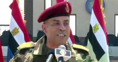 """بالفيديو.. قائد المظلات: الجيش المصرى """"ما بيهزرش"""".. وللمتهور: """"هتموت مكانك"""""""