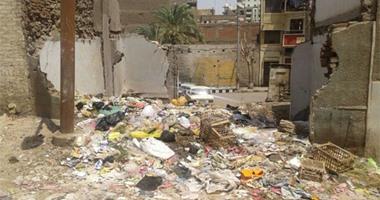 """""""صحافة المواطن"""".. انتشار القمامة بمحيط مجلس حى غرب أسيوط"""