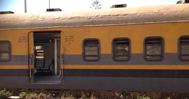 خروج قطار خالٍ من الركاب عن القضبان بمحطة بنها