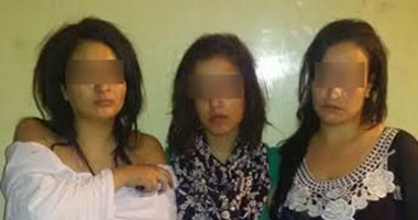 إحالة طالبتين وقوادة للمحاكمة لضبطهن متلبسات مع موظف بشقة دعارة بالهرم
