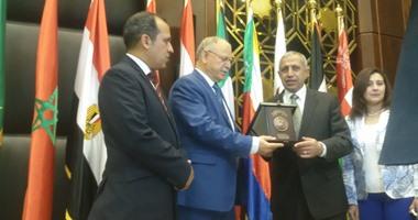 توقيع اتفاقية بين اتحاد الجامعات العربية وجامعة كادريف والأكاديمية العربية