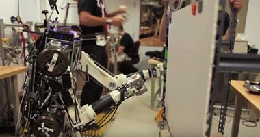 بالفيديو.. أول روبوت فى العالم يحاكى البشر