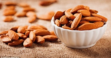 Find out how much nuts are safe to eat daily to prevent health complications