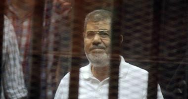 """وصول مرسى أكاديمية الشرطة لحضور محاكمته فى قضية """"وادى النطرون"""""""