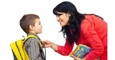 السخرية والاستهزاء الطفل يفقدانه الثقة